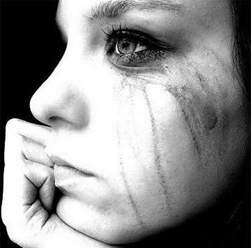 Картинки на аву грустные слезы